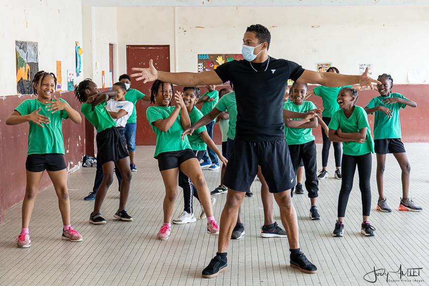 Association Touka Danses. Intervention à l'école Edgard Malacarnet de Cayenne, dans le cadre de la semaine olympique et paralympique 2021